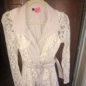 Women's size small jacket/blazer. Creme color